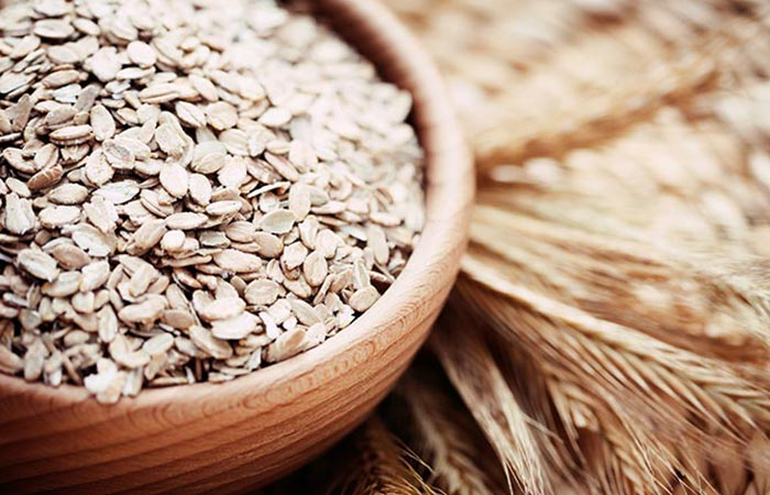 Oatmeal for treat sunburns