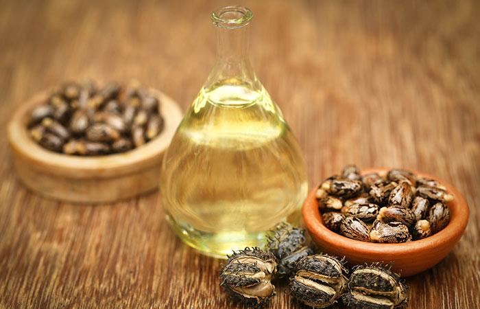 1.-Castor-Oil-And-Aloe-Vera-For-Hair-Growth