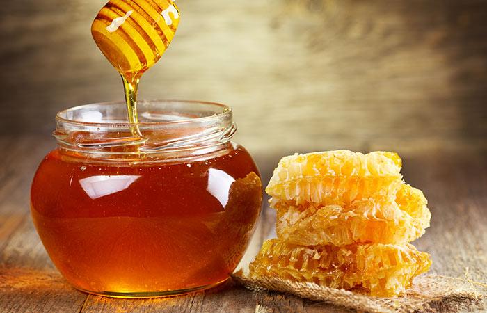 2.-Honey-And-Aloe-Vera-For-Hair-Growth