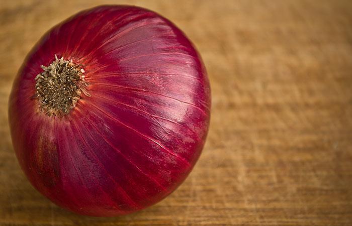 4.-Onion-And-Aloe-Vera-For-Hair-Growth