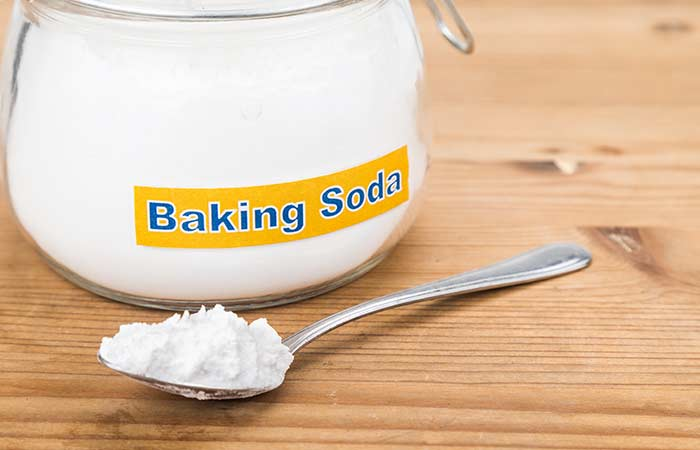 Homemade-Hair-Conditioner-With-Baking-Soda