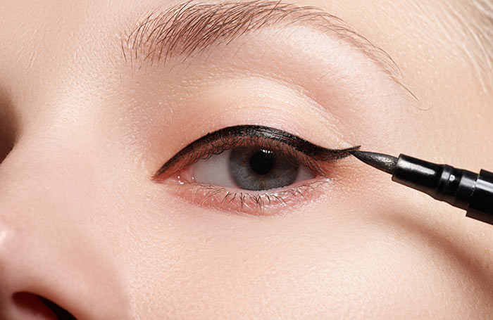 Amazing Makeup Tips And Tricks - Eyeliner Tips