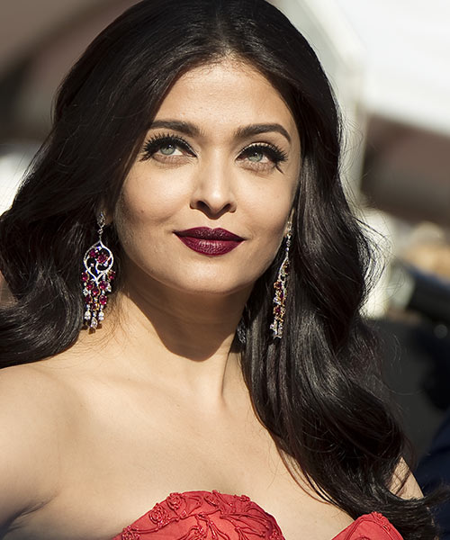 2. Aishwarya Rai - Famous Celebrity With The Most Beautiful Eyes In The World