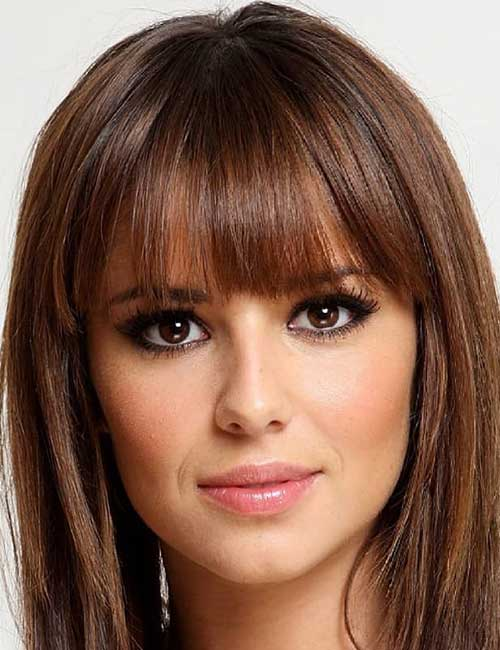 Best Hairstyles For Heart-shaped Face - Long side bangs