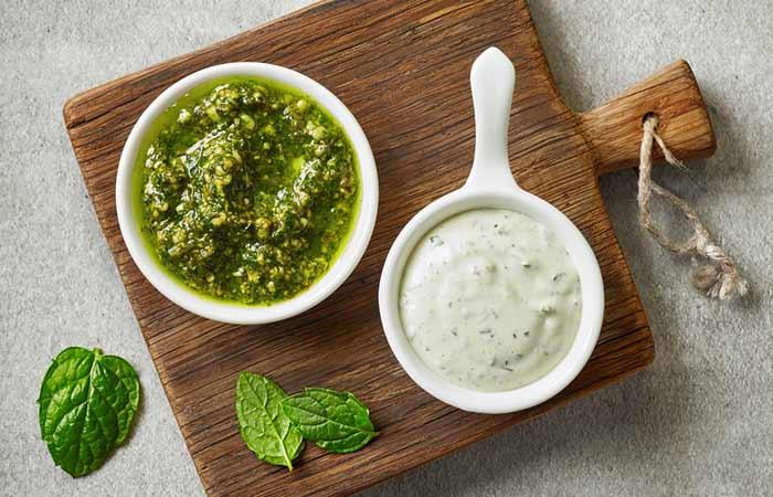 Mint Leaves, Yogurt, And Cucumber Face Pack