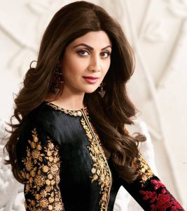 Shilpa Shetty's Makeup And Beauty Secrets Revealed
