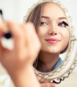 How To Apply Makeup (For Teens)