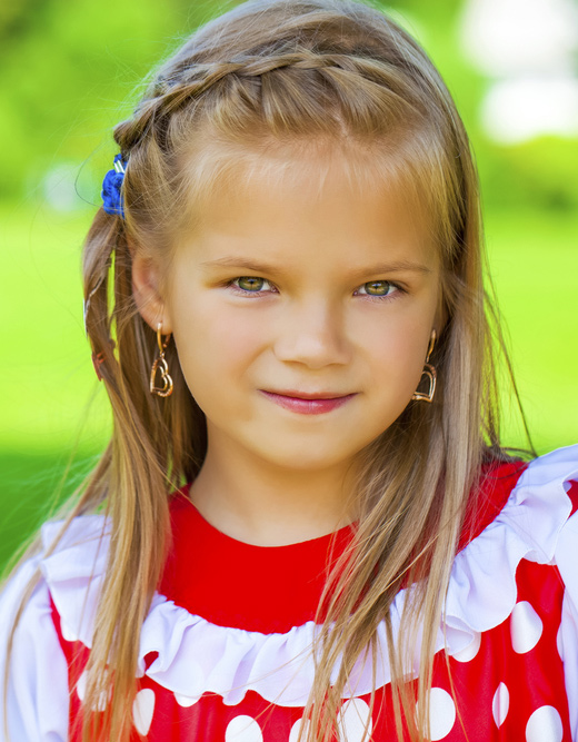 Stylish-Hairstyles-For-Your-Little-Girl19