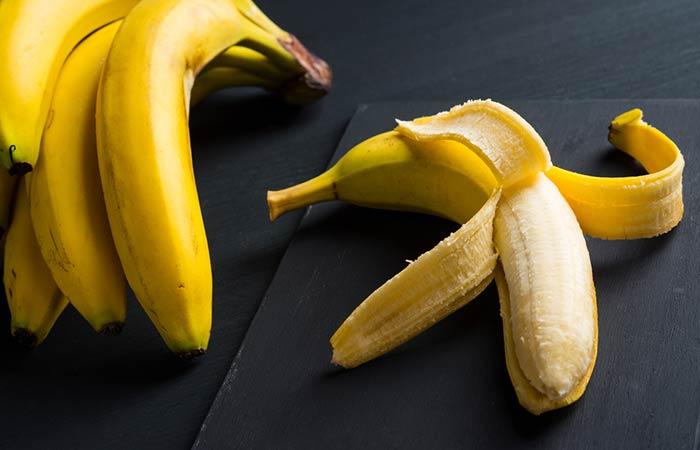 4. Banana And Aloe Vera Face Pack