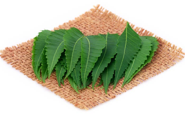 9. Neem And Aloe Vera Face Pack