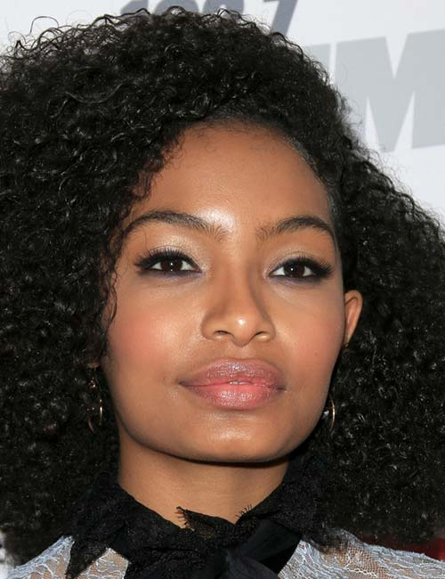 Short Hairstyles For Round Faces - Side Parted 'Fro
