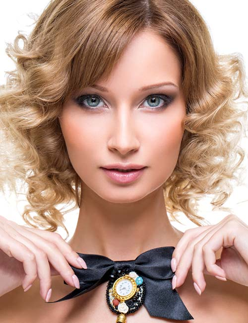 Short Hairstyles For Round Faces - Barrel Curls Bob