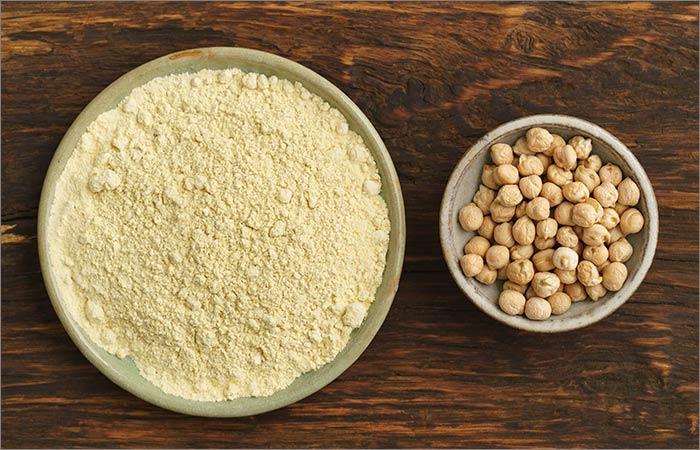 Gram-Flour-(Besan)-Face-Pack-For-Skin-Lightening