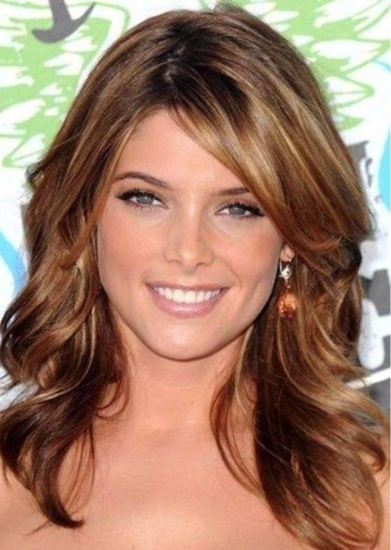 Best Layered Hairstyles With Bangs   Teenage Open Curls And Side Swept  Bangs Pinit