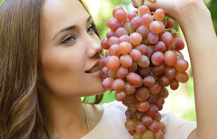 Fruits For Glowing Skin - Grapes