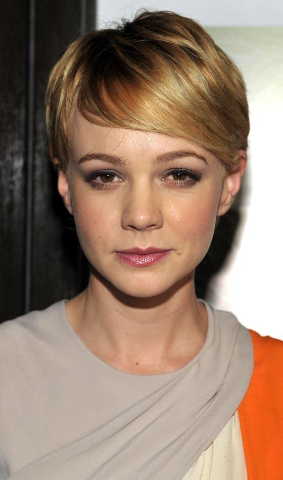 2.Side-Swept-Bangs-short-hair-cut