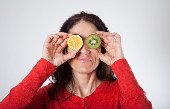 3. Lemon And Kiwi Face Pack