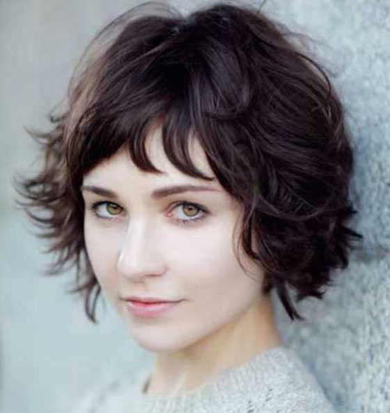 Best Layered Hairstyles With Bangs - Super Short Waves