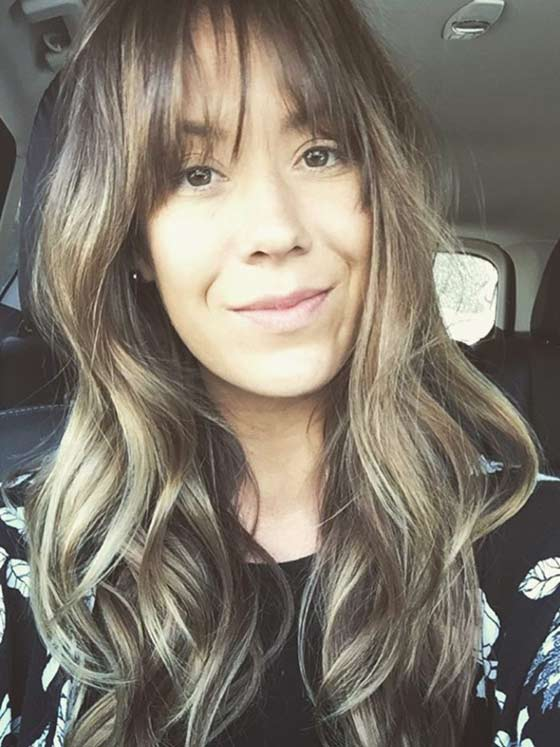 Best Layered Hairstyles With Bangs - Relaxed-Curls-With-Wispy-Bangs