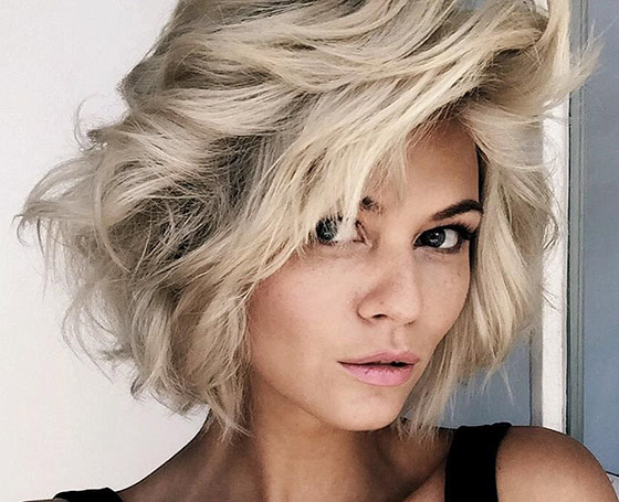 Best Layered Hairstyles With Bangs - Platinum Short Shag Layers
