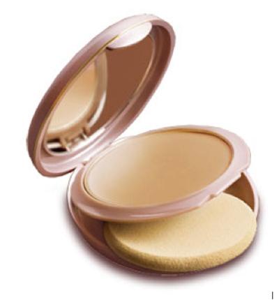 lakme 9 5 cream based foundation compact