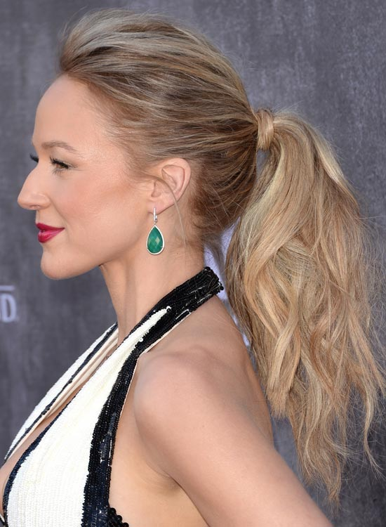 Hair-Wrapped-Wispy-and-Wavy-Ponytail-with-Pouf