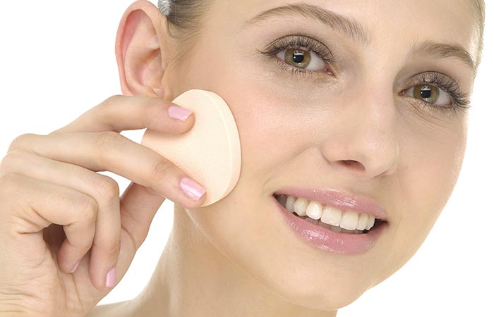 How To Use Makeup Sponge To Apply Liquid Foundation?