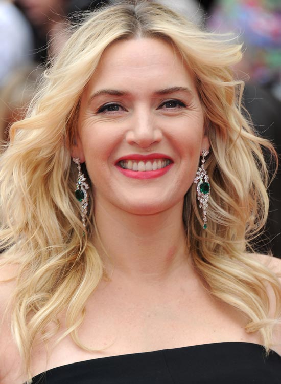 Messy-Flowy-Blonde-Waves-with-Wispy-Ends