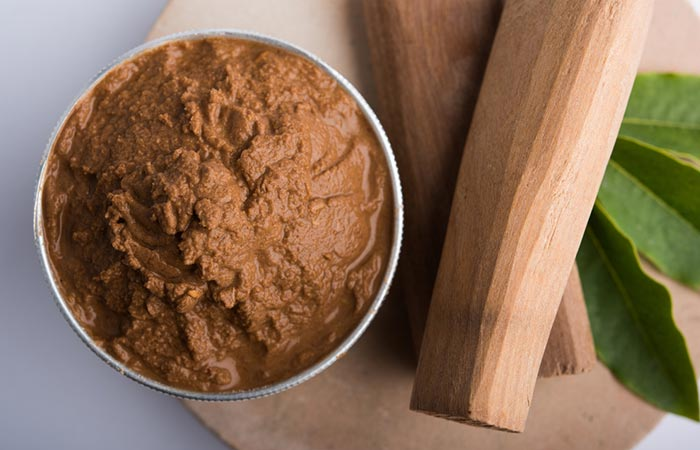 Rice Flour And Sandalwood Face Pack