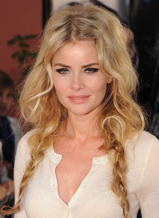 Messy-Loose-Waves-with-Pigtail-Braided-Ends