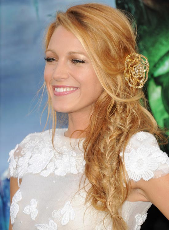 Side-Fishtail-Braid-with-Loose-Waves-and-Long-Side-Sweeps