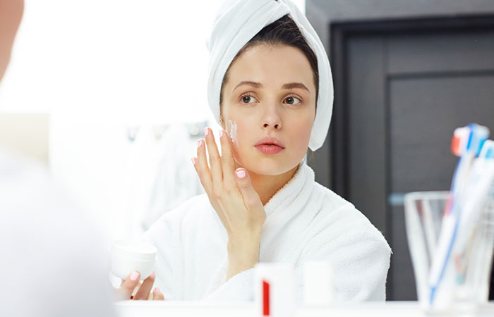 How To Prepare Your Skin Before Makeup - Step 3: Applying Moisturizer