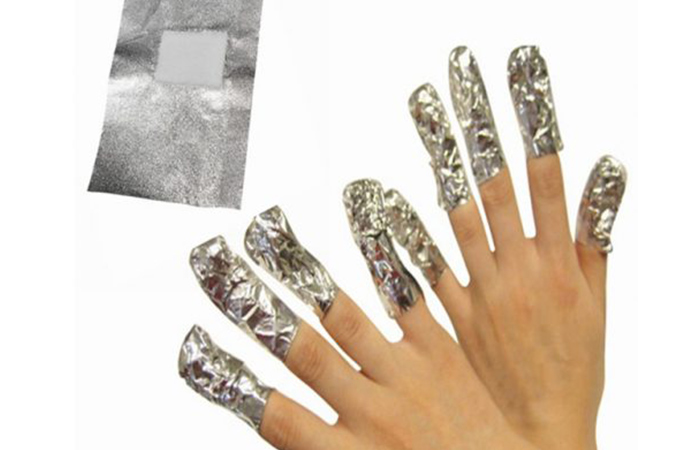 How to remove acrylic nails with and without acetone safely how to remove of acrylic nails using acetone and aluminum foil solutioingenieria Image collections