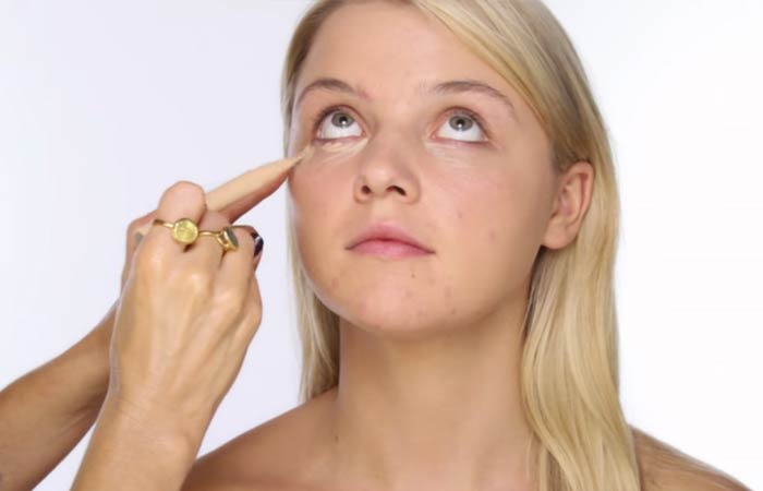 How To Apply Concealer - Step 2 Cover Up Undereye Circles