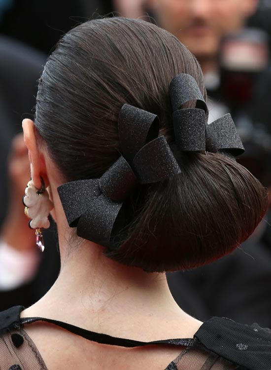 Side-Angular-Loop-Hairdo-with-Bows