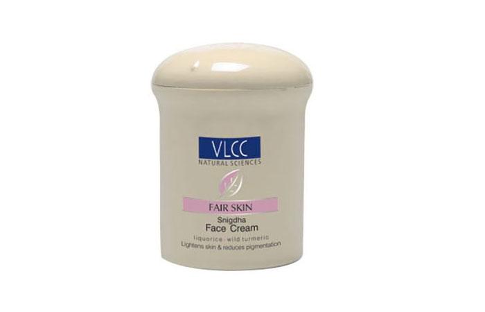 VLCC-Acne-Control-Clove-Massage-Gel-06