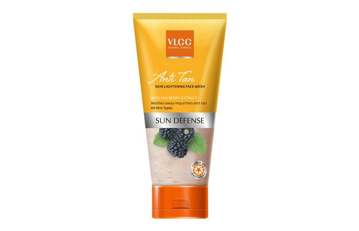 VLCC-Pomegranate-And-Aloe-Vera-Gentle-Exfoliating-Scrub-11