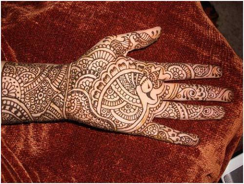 black mehndi design for hands