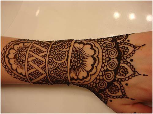 black mehndi designs for hands