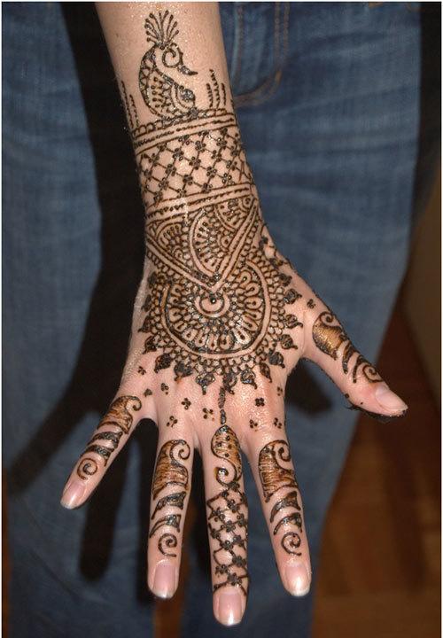 complex mehndi design for hands