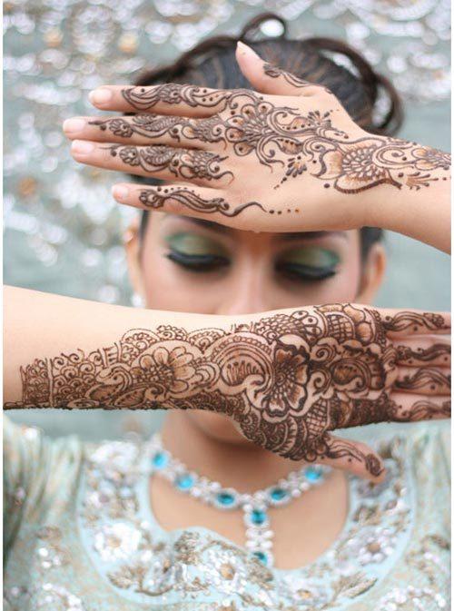 intricate mehndi designs