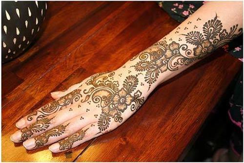 mehndi design back side of hand
