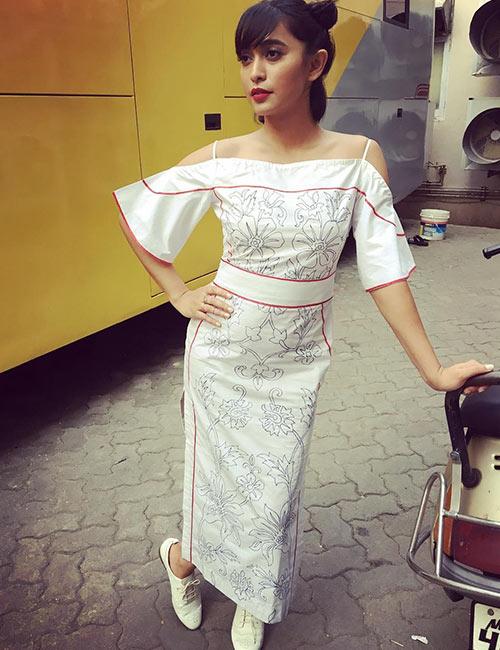 23. Sayani Gupta - Pretty Indian Woman