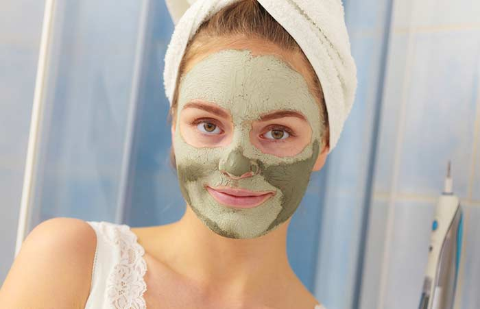 9. Neem And Fuller's Earth Face Pack For Glowing Skin