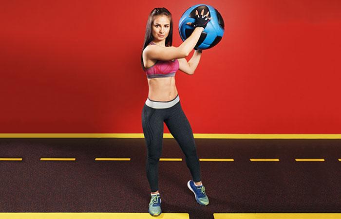 Medicine Ball Full-Body Exercises - Power Cross Chop