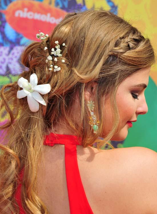 Dreamy-Half-n-Half-Hairdo-with-Braid-and-Curls