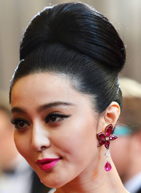 Exclusive-Grand-and-Polished-High-Updo