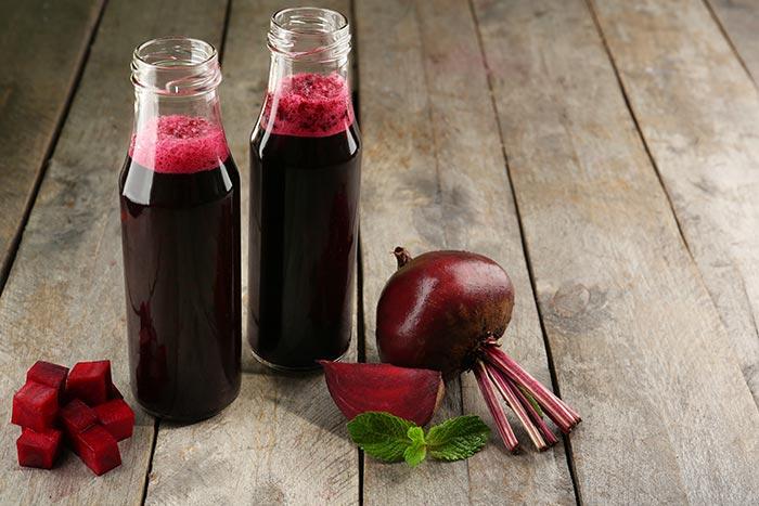 Glass-bottles-of-beet-juice
