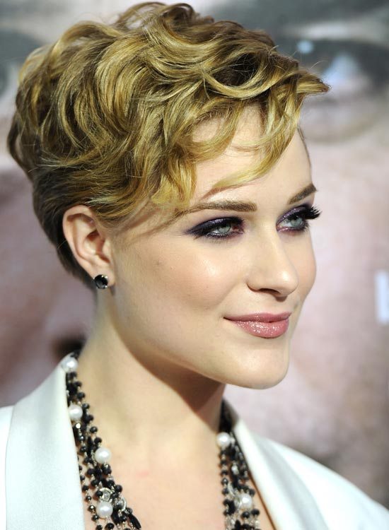 Gorgeous-Pixie-with-Textured-Waves