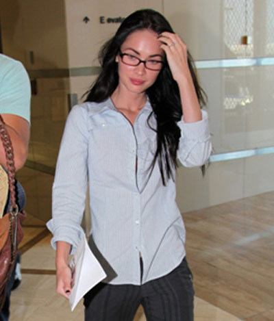 Megan Fox Caught Without Makeup at the Maui International Airport in Hawaii